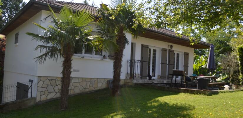Nice ground floor cottage on 3510 m2 with a complete basement with garage